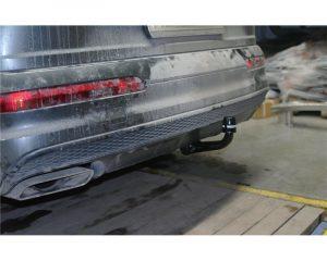 305437600001 для Audi Q7 2015